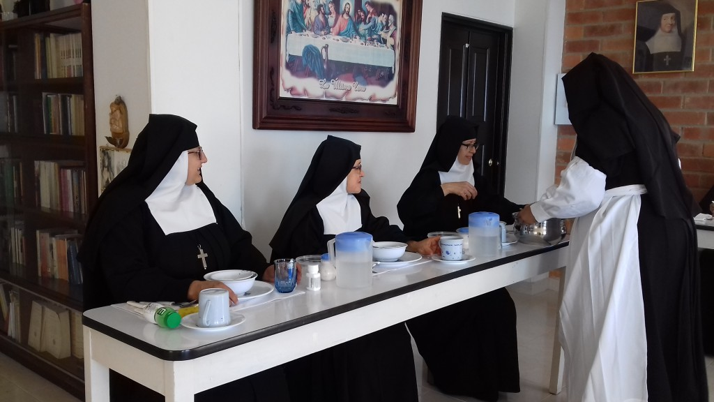 Existencial help for 11 sisters of the Convent Visitación in Soatá, 2018