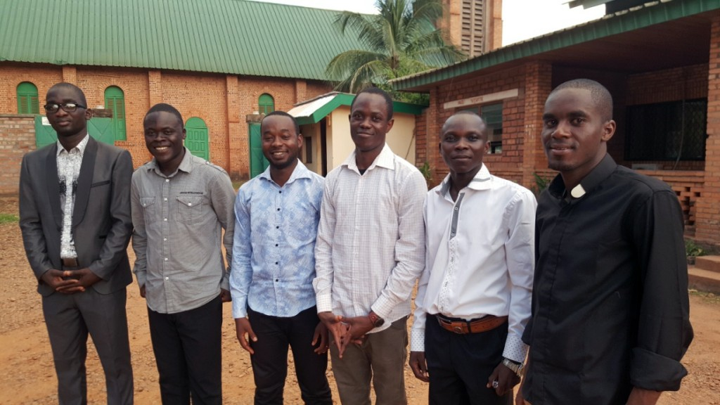 CENTRAL AFRICAN REPUBLIC / BANGUI 15/00306 Formation of 53 Seminarians of the Archdiocese of Bangui, 2015 - 2016