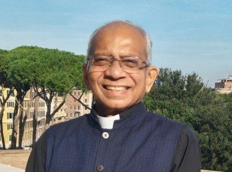 India padre Cedric Prakash (2)