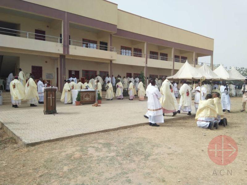 Nigeria misa funeral de Michael2 para web