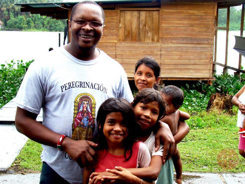 Venezuela tucupita misionero con familia muy pobre para web