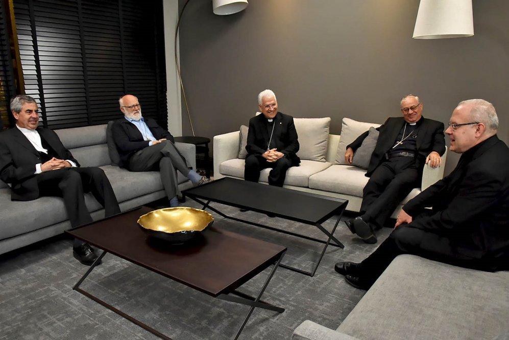 Nuncio llega a Chile