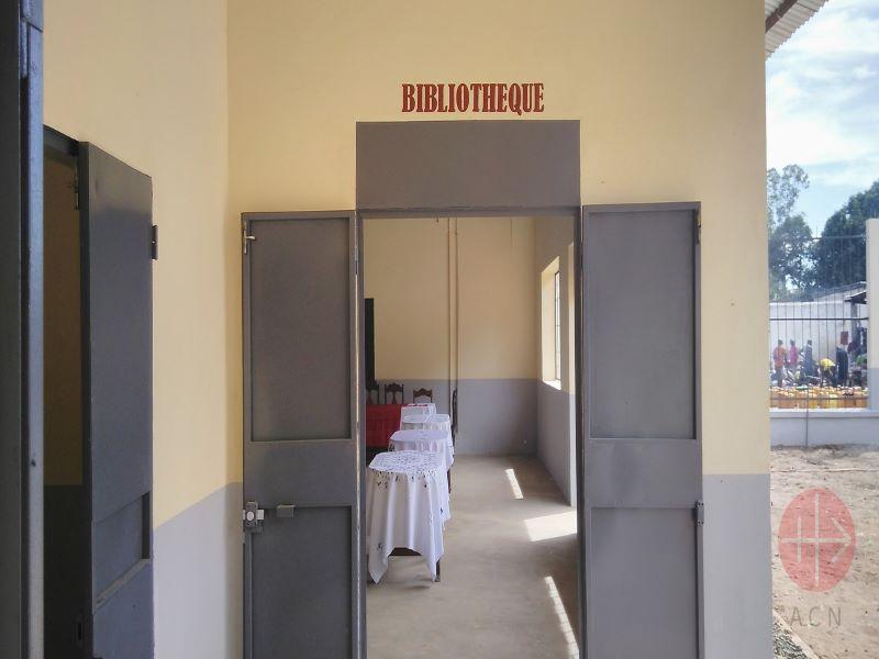 Madagascar biblioteca escuela de Port-Berge para web