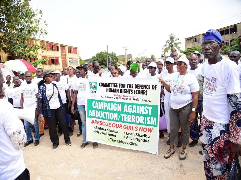 Nigeria pancarta para que liberen a Leah para web