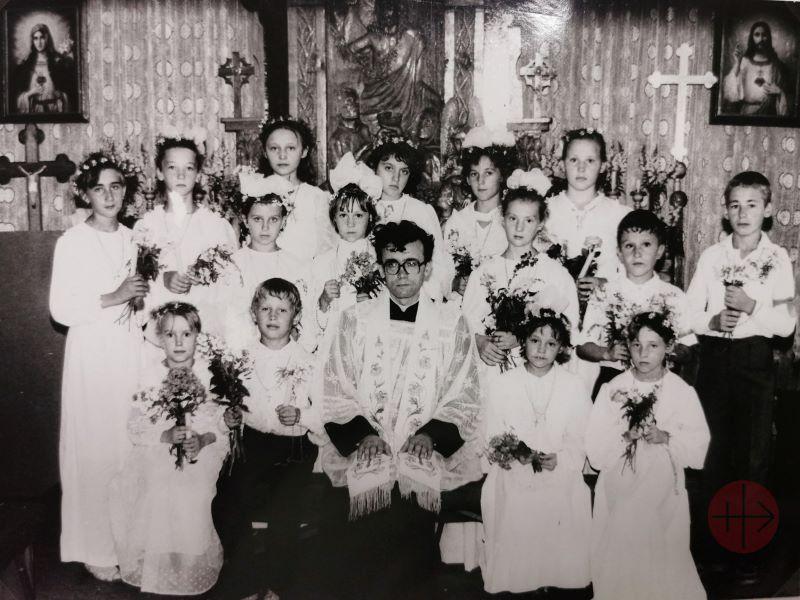Rusia obispo Werth de joven en Siberia con fieles web
