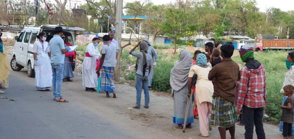 India: Entrega de comida en la diócesis de Hazaribag.