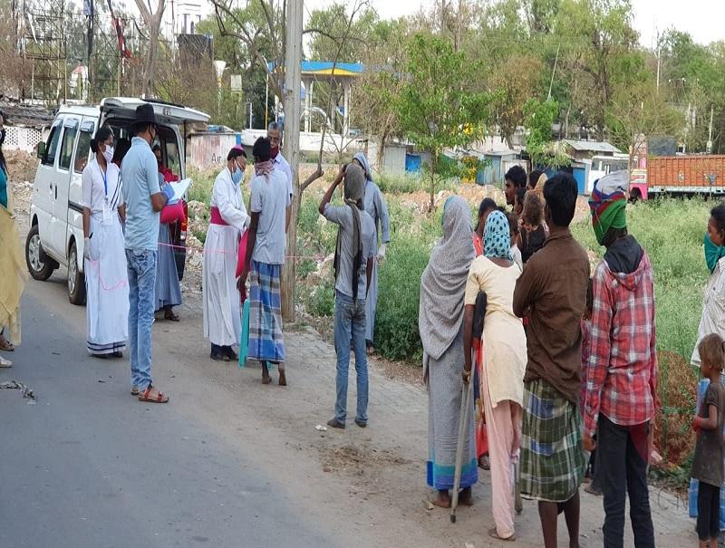 India entrega de ayuda web