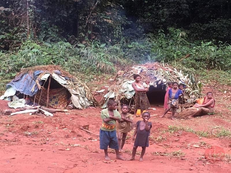 Congo aldea de pigmeos web