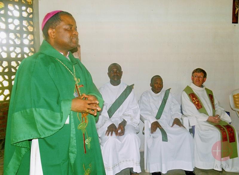 Mons. Willy Ngumbi Ngengele, Obispo de Bukavu y Rector del Seminario de Buhimba-Goma