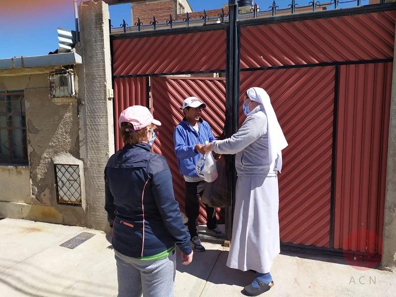 Bolivia religiosa entrega comida web