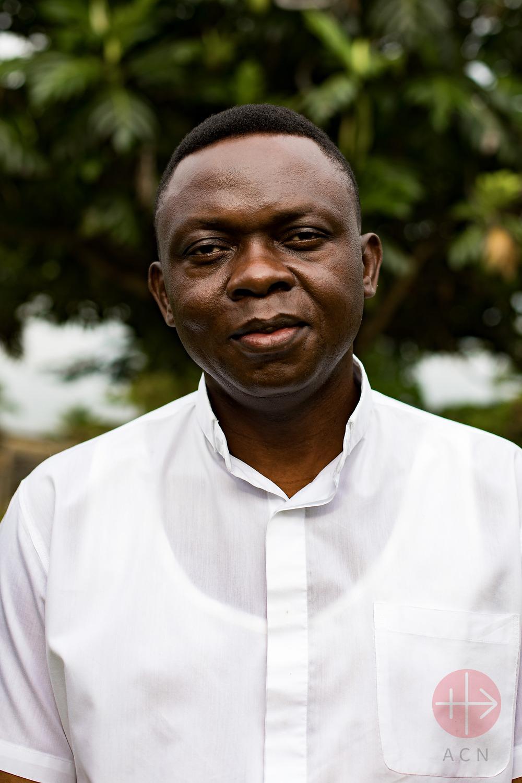 Congo padre apollinaire retrato