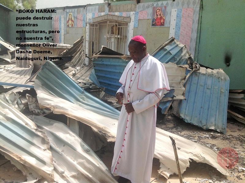 Nigeria obispo observa templo destruido web