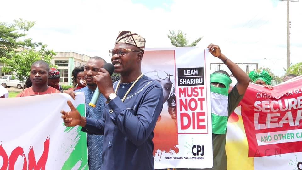 Nigeria protestas por Leah