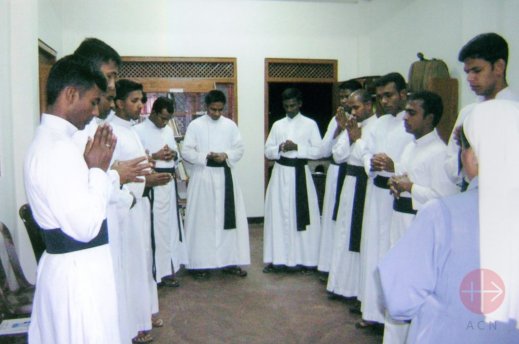 Sri Lanka seminaristas rosarianos