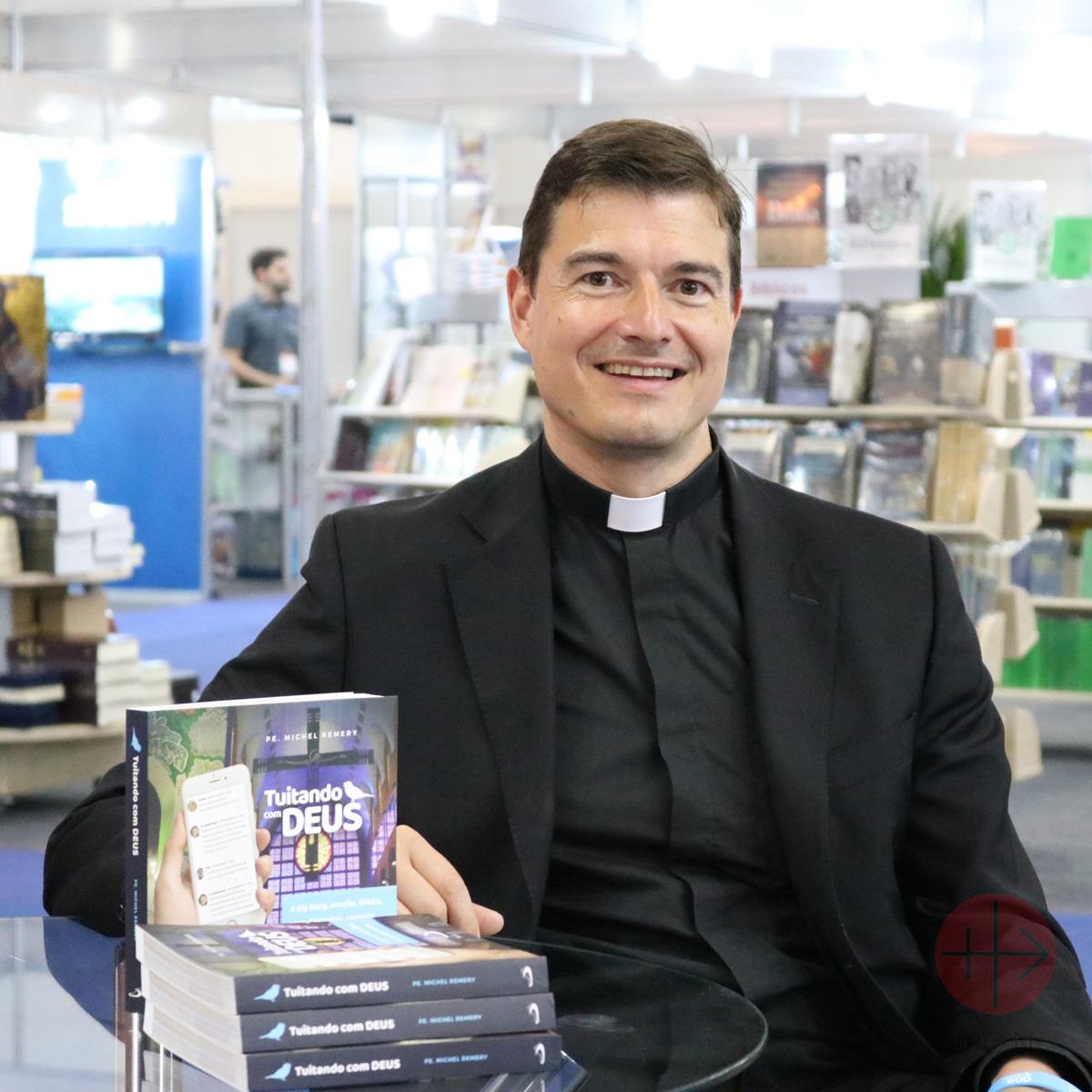 Albania autor del libro padre Michel Remery
