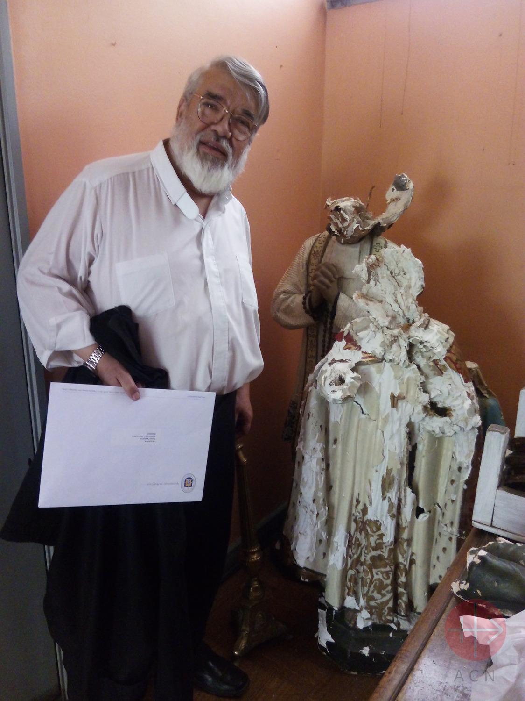 Chile padre Pedro con imagen descabezada