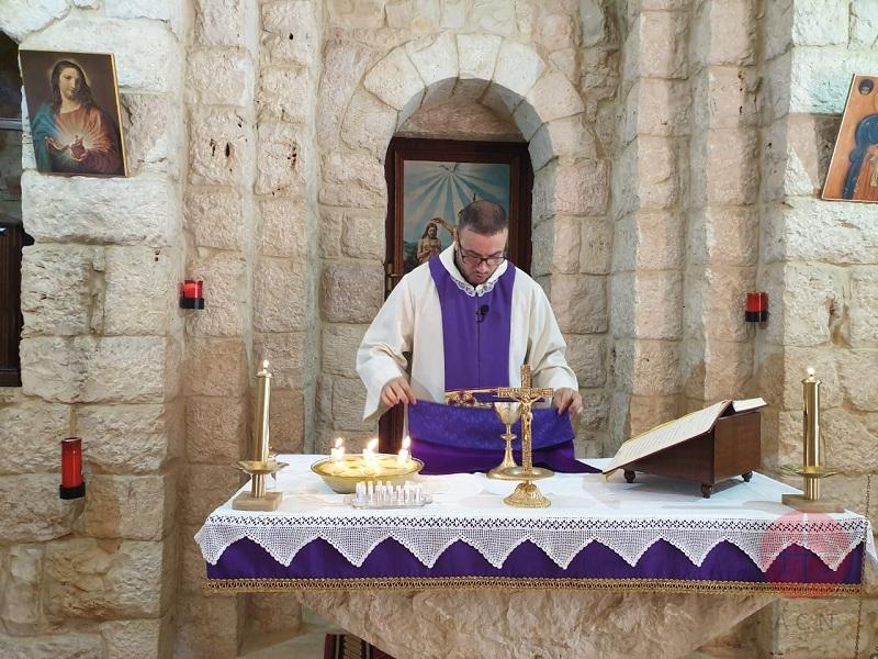 Líbano joven sacerdote web