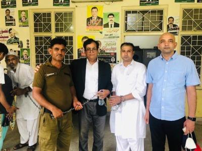Pakistán hombre preso por blasfemia