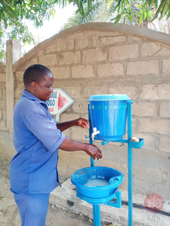 Covid burkina faso tambos con agua