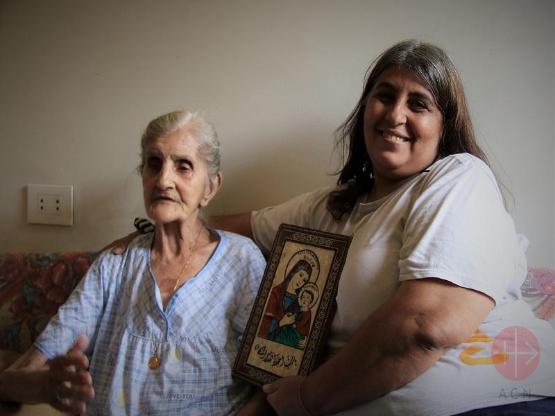 Líbano Mona y su madre Juliette web
