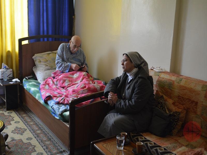 Siria hermana Annie con enfermo web