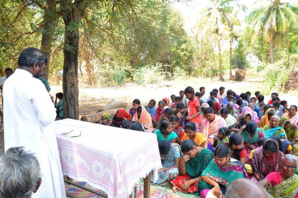 India Misa al aire libre en Andhra Pradesh