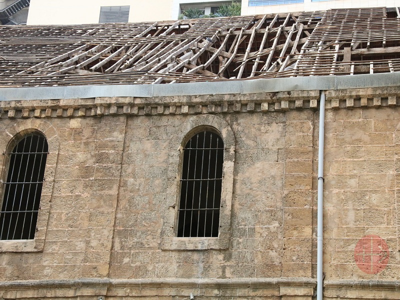 Líbano Beirut techo Repairing the Church of Saint Saviour after 4th of August port blast in Beirut, phase 1 web