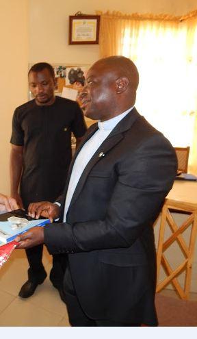 Nigeria padre An del centro de