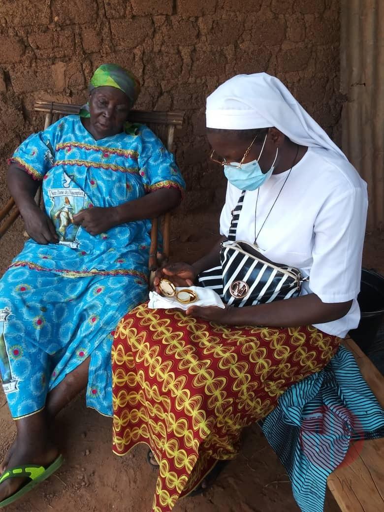 Burkina Faso ayuda hermanas de Notre Dame du Lac.jpg2