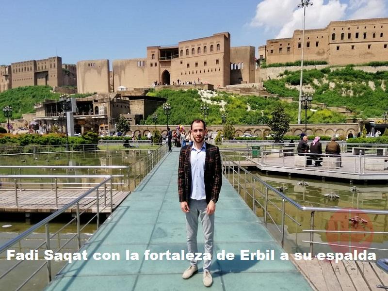 Irak Fadi Saqat with Erbil fortress in the background web