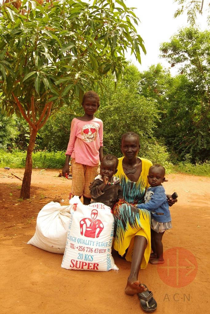 Sudán del Sur familia con alimentos