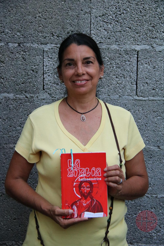 biblia mujer 1