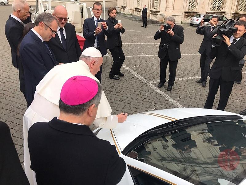 Irak Papa firma el lamborghini web