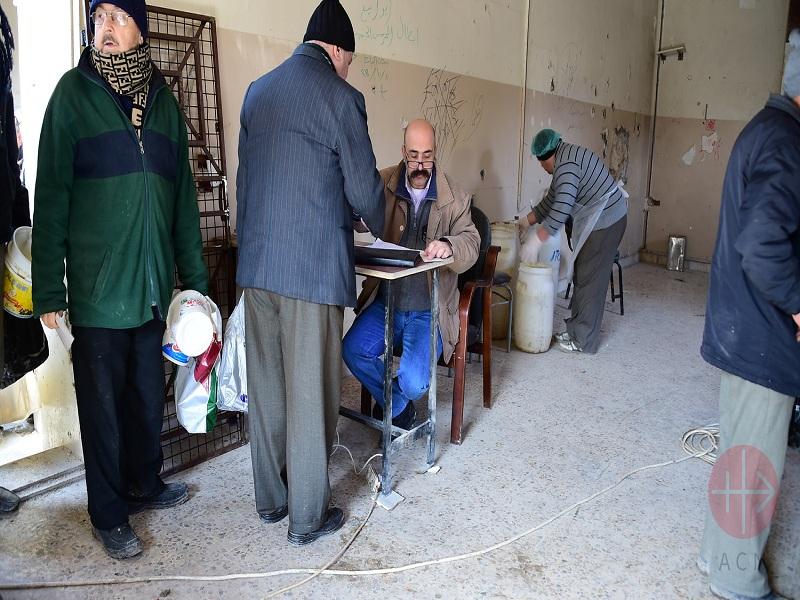 Siria Alepo entregando comida a los mas pobres web