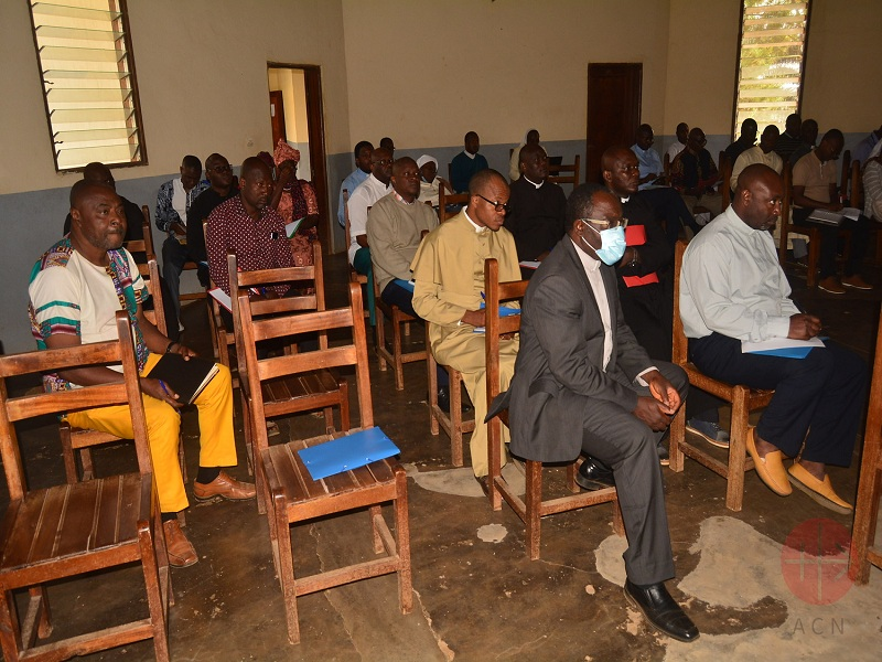 Camerún formación de formadores de futuros sacerdotes web