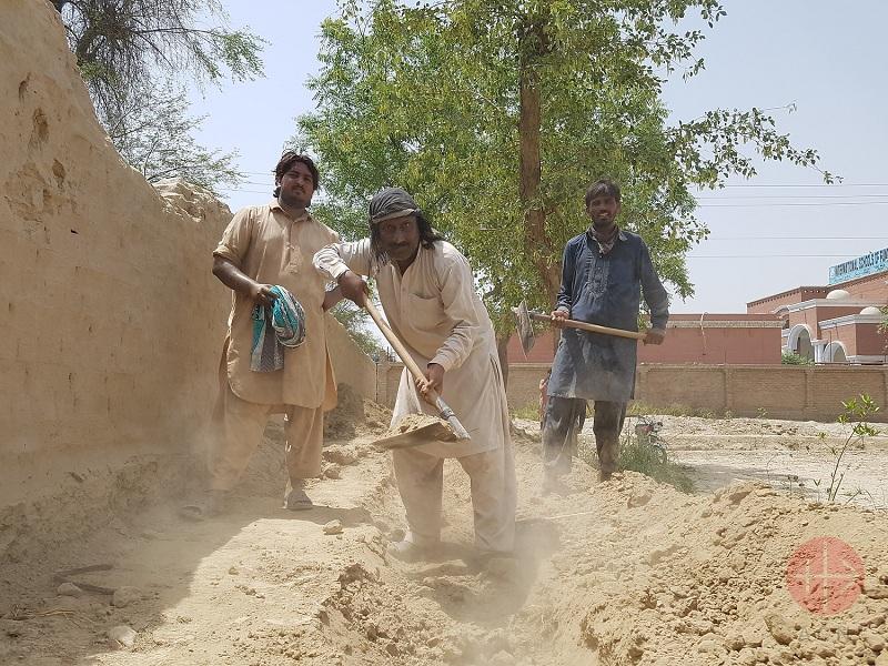Pakistán hombres trabajando web
