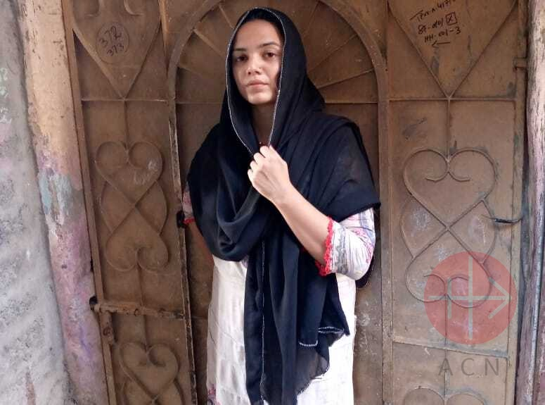 Pakistán Karachi voluntaria católica de Caritas Anum Arif