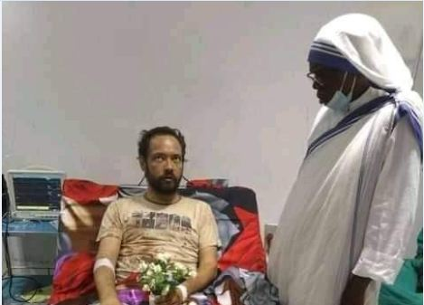 Sudán del Sur obispo herido de frente recortado