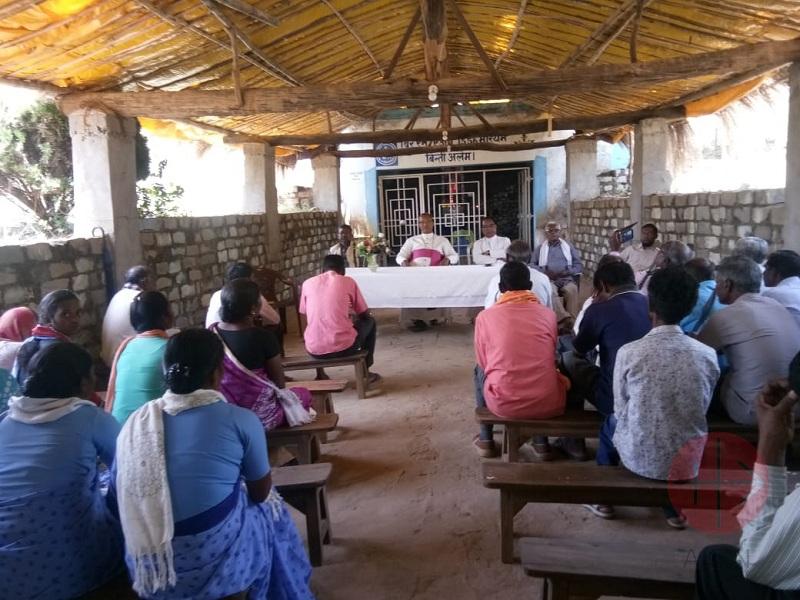 India Khunti encuentro con el obispo web