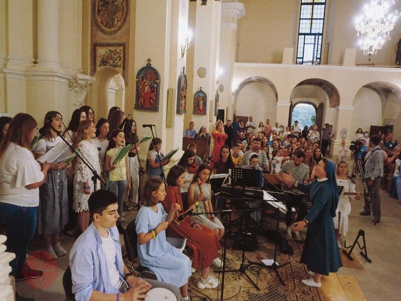 Ucrania coro del encuentro juvenil web