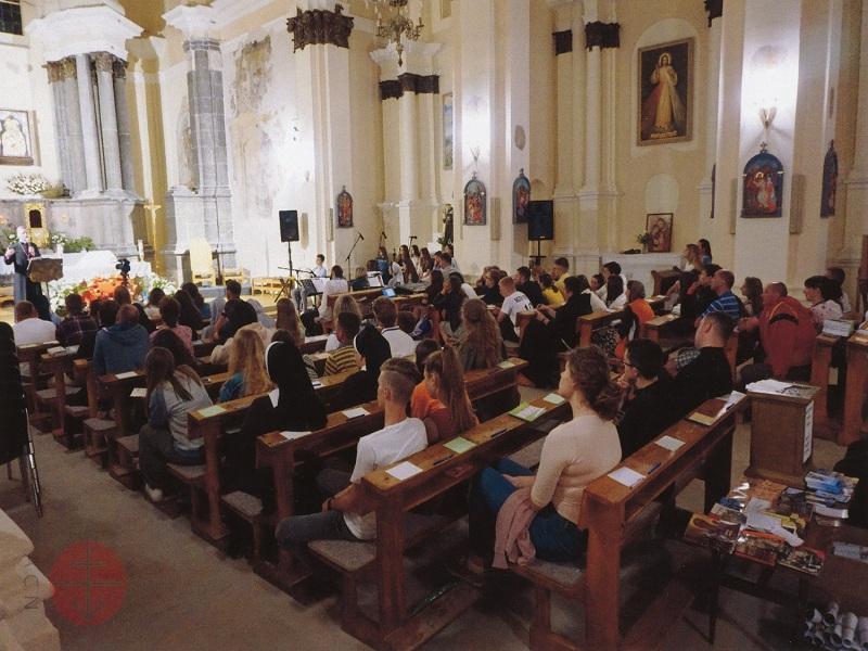 Ucrania encuentro juvenil web