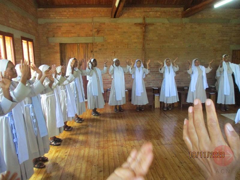 Madagascar clarisas Clare Sisters at Hermitage Saint Clare, Antsirabe web