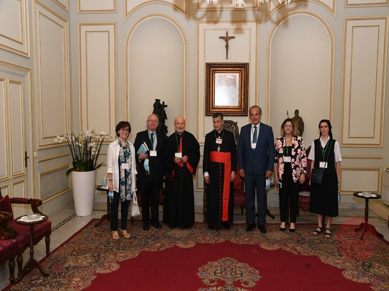 Medio oriente Episcopal Commission for Justice and Peace. President, members and Patriarch Bechara Rai. web