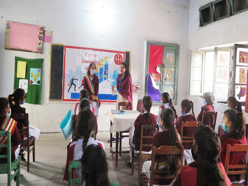 Pakistán niñas en clases web