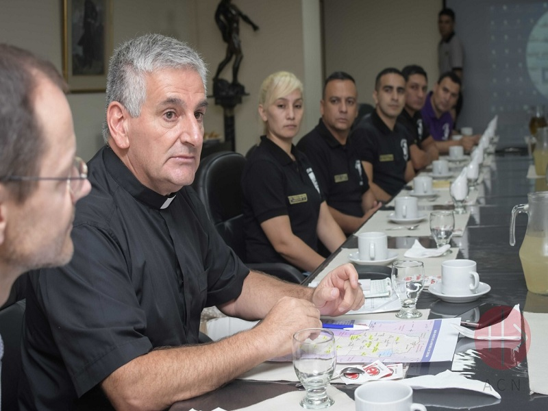 Argentina Fr. Daniel Julián and other chaplains pastoral agents and other representatives of the Police of the Province of Córdoba. web