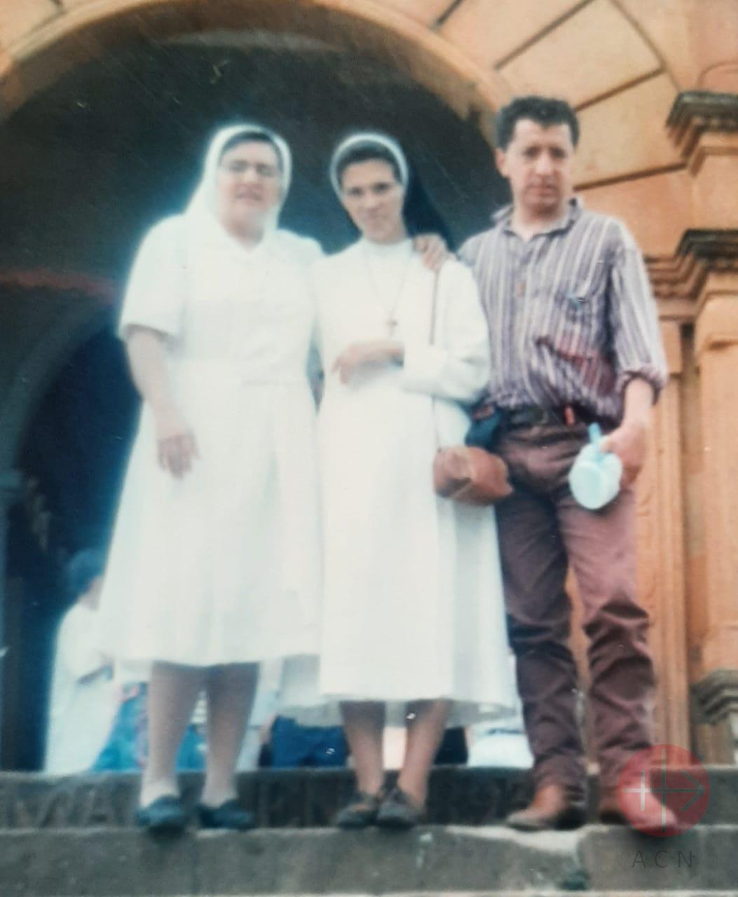 Colombia hermana gloria con su hermano