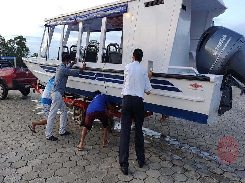 Brasil afinando botadura del barco de catequesis web