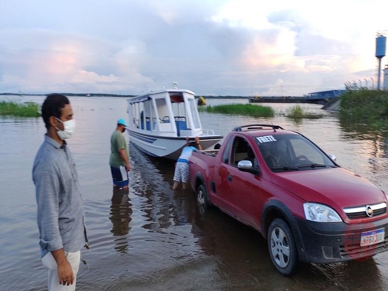 Brasil botando barco de cateeequesis web