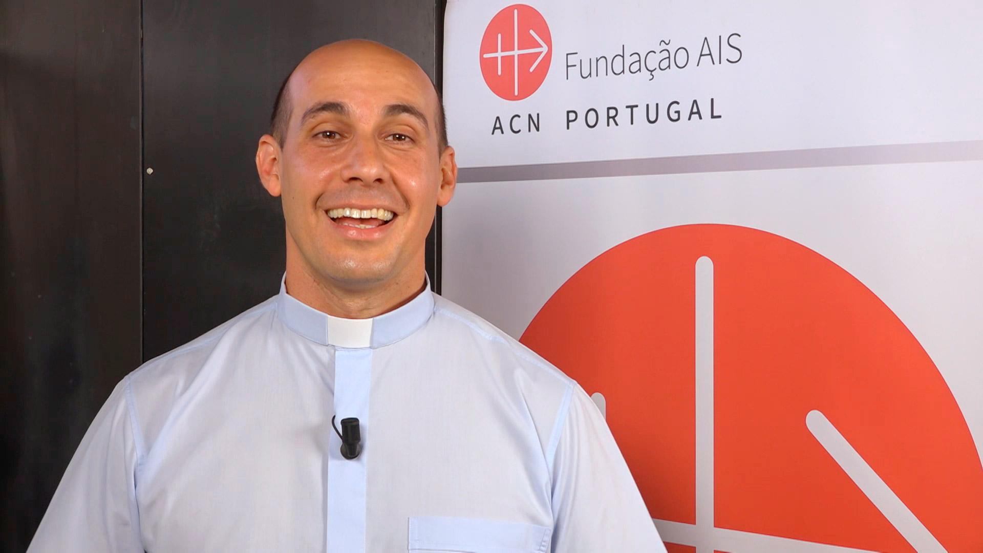 El-P.-Rolando-Montes-de-Oca-de-Cuba-recuerda-la-Iglesia-de-su-infancia-image