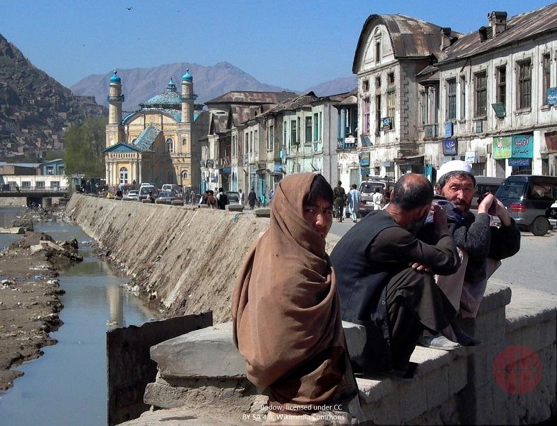 Afganistán hombres con credito y web